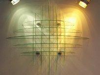 Стеклянная полка на стену с подсветкой