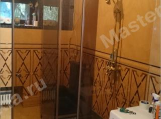 Стеклянная душевая кабина из бронзового стекла