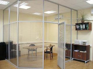 Стационарная офисная стеклянная перегородка