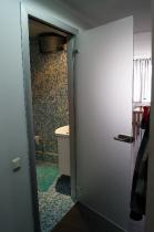Стеклянная матовая дверь в ванную комнату
