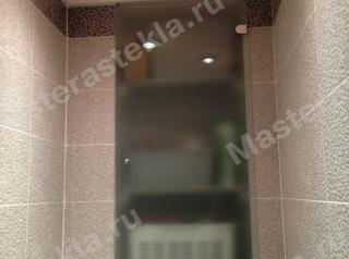 Стеклянные дверцы в ванной