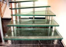 стеклянные ступени для лестниц